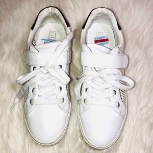 Guess Fashion Sneakers 7